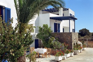 Holidays-in-paros-apartments