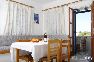 holidays-paros-apartment-01